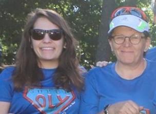 Photo de Claudie et Apauline pendant la Course des Héros.